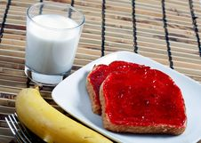 Free Full Breakfast With Milk Stock Images - 17615694