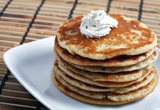 Free Pancakes For Breakfast Royalty Free Stock Photography - 17615697