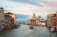 Free Grand Canal View Royalty Free Stock Photo - 17619095