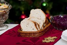 Free Bread In Wicker Basket Royalty Free Stock Images - 17621519