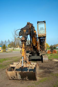 Free Excavator Royalty Free Stock Photo - 17622405