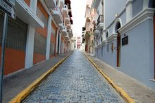 Free Cobblestone Street In Puerto Rico Royalty Free Stock Photo - 17622735