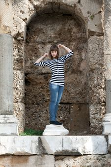 Free The Girl In The Ruins Royalty Free Stock Photos - 17624358