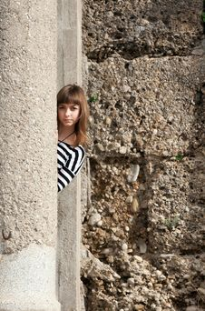 Free The Girl In The Ruins Stock Photography - 17624712