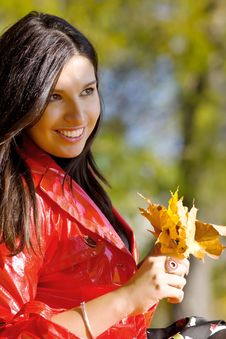 Free Young Woman In Autumn Park Royalty Free Stock Photography - 17628717