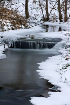 Free Frozen Creek Royalty Free Stock Images - 17629859