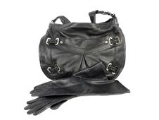 Free Black Leather Handbag And Pair Of Gloves Royalty Free Stock Photo - 17633715