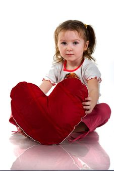 Free Beautiful Girl Sitting With Heart Royalty Free Stock Photos - 17637518