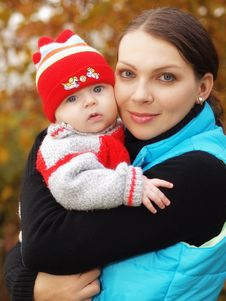 Free Mother With Baby Royalty Free Stock Photo - 17640205