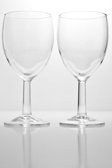 Free Two Wine Glasses Royalty Free Stock Photography - 17642807