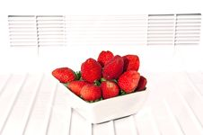 Free Strawberry In Glass Royalty Free Stock Photography - 17645467