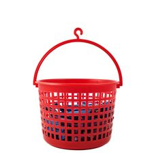 Basket With Clothespins Royalty Free Stock Photo
