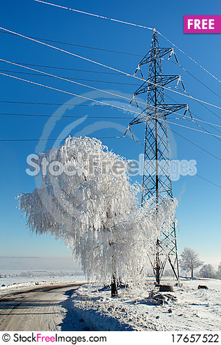 Free Winter Road On A Sunny Frosty Day Stock Photography - 17657522