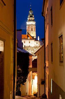 Narrow Street Of Cesky Krumlov Royalty Free Stock Images