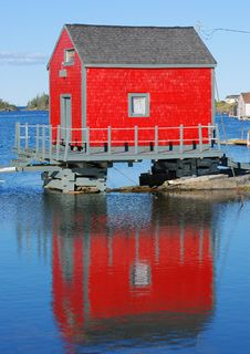 Free Red Building Reflection Stock Image - 17650661