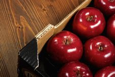 Free Box Of Fresh Apples Royalty Free Stock Photo - 17653985