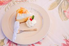 Free Lemon Meringue Pie Royalty Free Stock Photo - 17660445
