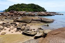 Free Tropical Rocky Beach With Rain Forest Stock Images - 17662614