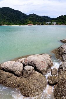 Free Tropical Rocky Beach With Rain Forest Royalty Free Stock Photo - 17663665