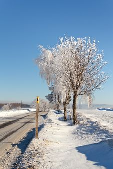Winter Road On A Sunny Frosty Day Royalty Free Stock Photography