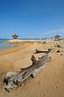Free Beach - Meditation Hut Stock Images - 17670164