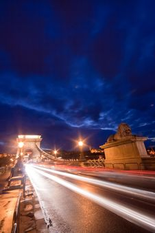 Free Budapest By Night / Chain Bridge Royalty Free Stock Photography - 17670657