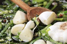 Free Stir Frying Spring Onion And Garlic Stock Images - 17673124