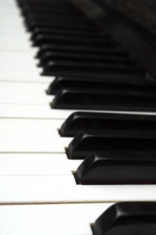 Free Piano Key Close Up Shot Royalty Free Stock Image - 17673336