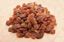 Free Dried Grapes Royalty Free Stock Photos - 17675598