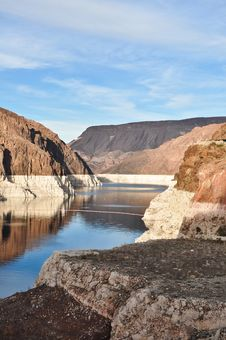 Free Lake Mead Near Hoover Dam Royalty Free Stock Photo - 17676385