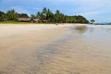 Free Resort Near The Beach On A Tropical Island Royalty Free Stock Photos - 17676498