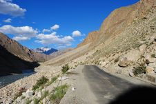 Free Road To Ladakh Terrain Royalty Free Stock Images - 17676849