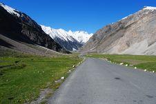 Free Road To Ladakh Mountain Peak Royalty Free Stock Photos - 17676858