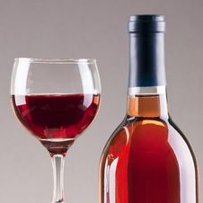 Free Glass And Bottle Of Rose Wine Royalty Free Stock Photo - 17677275