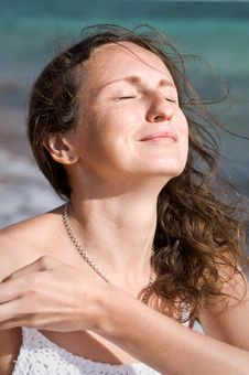 Free A Woman Enjoying Sunbath Royalty Free Stock Photography - 17678837