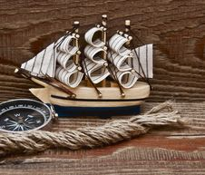 Free Compass, Rope And Model Classic Boat Royalty Free Stock Photo - 17681985