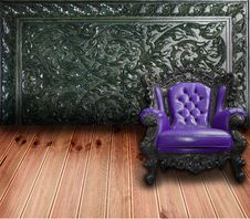 Free Vintage Sofa With Wooden Wall Stock Images - 17685664