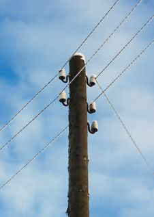 Free Electric Pole With Wires. Royalty Free Stock Photography - 17688117