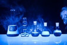 Free Laboratory Glass Royalty Free Stock Photography - 17689327