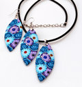 Free Handicraft Earrings And Necklace Royalty Free Stock Images - 17695889