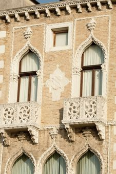 Free Ornate Balconies Royalty Free Stock Photos - 17690418