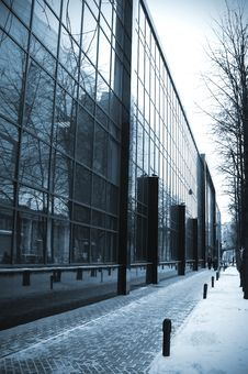 Free Modern Glass Building Royalty Free Stock Photos - 17692408