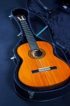Free Acoustic Guitar Royalty Free Stock Photography - 1770377