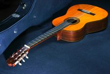 Free Acoustic Guitar Stock Photography - 1770452