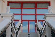 Free Red Doors And Staircse Royalty Free Stock Images - 1777429