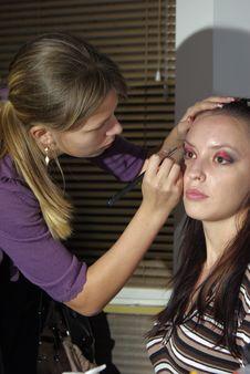 Professional Visagiste Applying Makeup Royalty Free Stock Photography