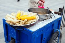 Free Street Peddler Royalty Free Stock Photos - 17708018