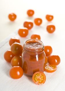 Free Tomatoes And Ketchup Stock Images - 17711334