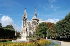 Free Square Of Notre Dame Royalty Free Stock Photos - 17713648