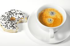 Free Donut With Cup Of Coffee Stock Photography - 17714592